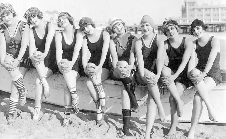 70 éves a bikini – A fürdőruha izgalmas története képeken ... 393d6eb5c8