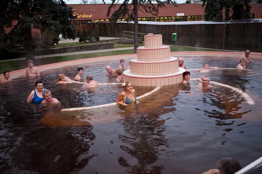 8 fürdő, ahol ősszel is kültéren csobbanhatunk