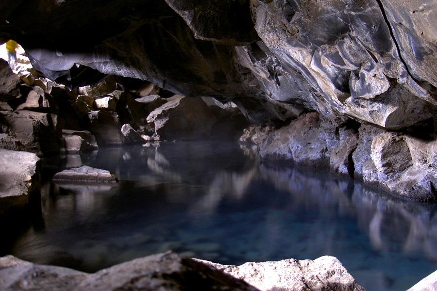 Gyógyító barlangok közel és távol